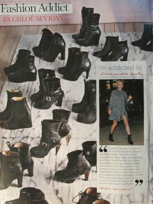Chloe and a few of her booties.. Chloe e algumas de suas botas...